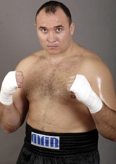 боксер Александр Устинов