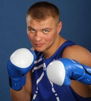 Бой Глазков-Росси закончился спорной победой украинского боксера