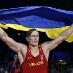 Боксер Александр Усик выиграл золотую награду олимпийских игр