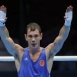 В финале турнира российский боксер Егор Мехонцев смог одолеть представителя Казахстана - Адильбека Ниязымбетова